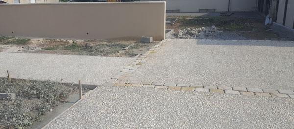 beton desactive et pavage allee